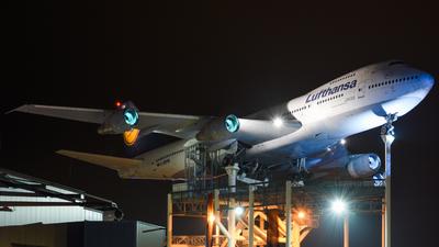 D-ABYM - Boeing 747-230B(M) - Lufthansa