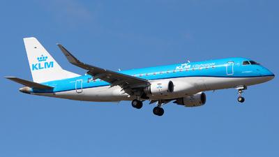 A picture of PHEXP - Embraer E175STD - KLM - © Nikola Kovacevic
