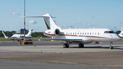 N111QS - Bombardier BD-700-1A11 Global 5000 - NetJets Aviation