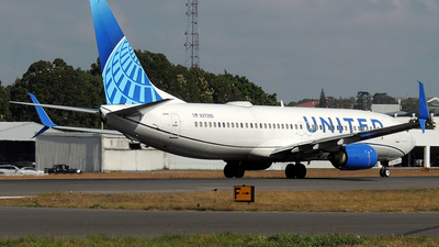 A picture of N37290 - Boeing 737824 - United Airlines - © Julio Letona