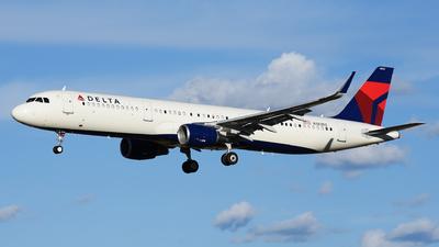 N383DZ - Airbus A321-211 - Delta Air Lines