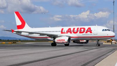 OE-IBJ - Airbus A320-232 - LaudaMotion