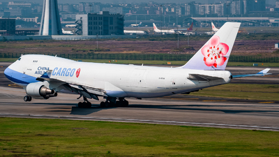 A picture of B18708 - Boeing 747409(F) - China Airlines - © ZUCKGYQ