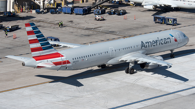 A picture of N913US - Airbus A321231 - American Airlines - © Nick Michaud