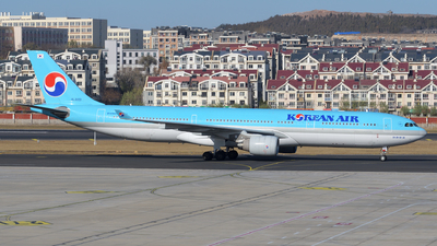 HL8001 - Airbus A330-323 - Korean Air