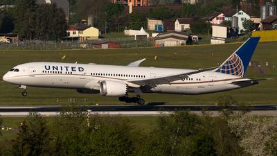 A picture of N26967 - Boeing 7879 Dreamliner - United Airlines - © Joel Basler