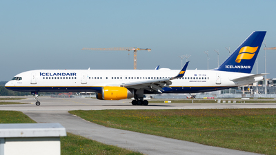 TF-ISV - Boeing 757-256 - Icelandair