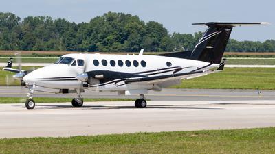 C-GRGF - Beechcraft 300 Super King Air - Private