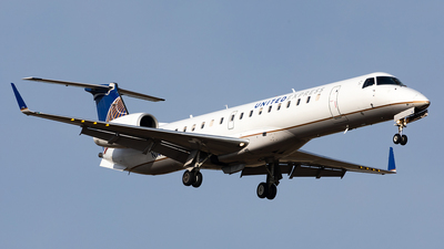 A picture of N14180 - Embraer ERJ145XR - United Airlines - © HAOFENG YU