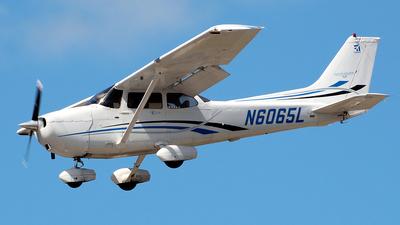 N6065L - Cessna 172S Skyhawk SP - Private