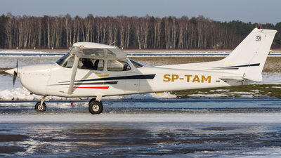 SP-TAM - Cessna 172S Skyhawk SP - Private