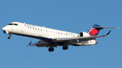 A picture of N390CA - Mitsubishi CRJ701ER - Delta Air Lines - © Davin Amy