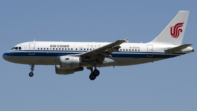 B-6044 - Airbus A319-115 - Air China