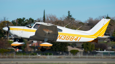 A picture of N38841 - Piper PA28181 - [287790596] - © Taylor Kim