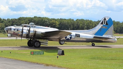 N9323Z - Boeing B-17G Flying Fortress - Commemorative Air Force