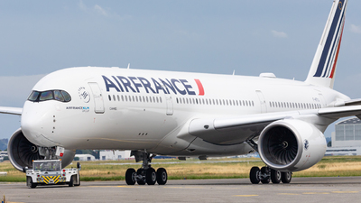 A picture of FHTYJ - Airbus A350941 - Air France - © OlivierHoarau