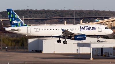 A picture of N621JB - Airbus A320232 - JetBlue Airways - © Saul Hannibal