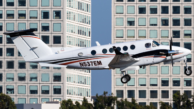 N537EM - Beechcraft B200 Super King Air - Private