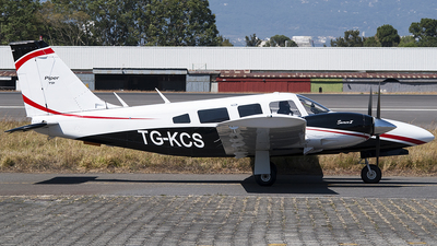 TG-KCS - Piper PA-34-200T Seneca II - Private