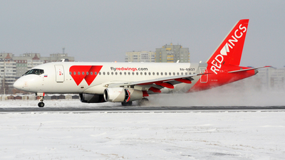 RA-89137 - Sukhoi Superjet 100-95B - Red Wings