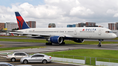 A picture of N635DL - Boeing 757232 - [23762] - © Brian Boche