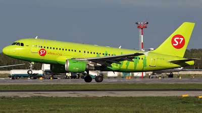 VP-BTW - Airbus A319-114 - S7 Airlines