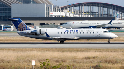 A picture of N982SW - Mitsubishi CRJ200LR - United Airlines - © Stian Haabeth
