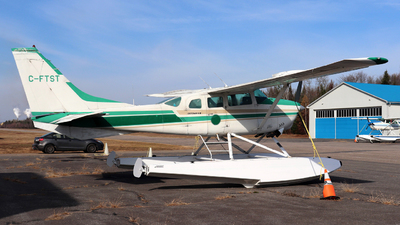 C-FTST - Cessna U206D Super Skywagon - Private