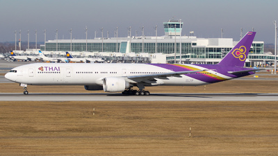 HS-TKW - Boeing 777-3D7ER - Thai Airways International