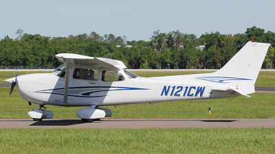 N121CW - Cessna 172S Skyhawk SP - Private