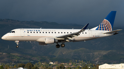 A picture of N107SY - Embraer E175LR - United Airlines - © Beck Ramsey