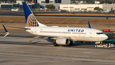 N17753 - Boeing 737-7V3 - United Airlines