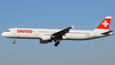 HB-IOM - Airbus A321-212 - Swiss