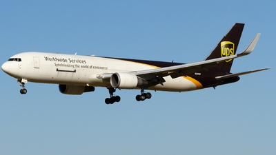 N329UP - Boeing 767-34AF(ER) - United Parcel Service (UPS)