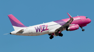 A picture of HALYN - Airbus A320232 - Wizz Air - © Enzo Gattullo - Plane Spotters Bari