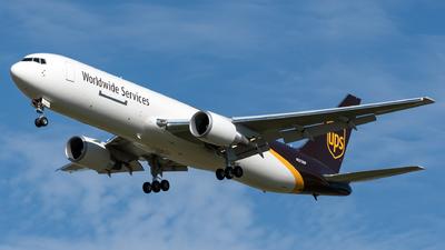 N372UP - Boeing 767-34AF(ER) - United Parcel Service (UPS)