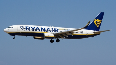 A picture of EIEMK - Boeing 7378AS - Ryanair - © Martin Bernict