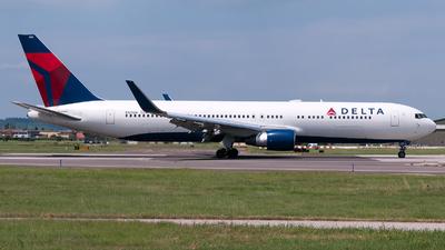 A picture of N179DN - Boeing 767332(ER) - Delta Air Lines - © Varani Ennio