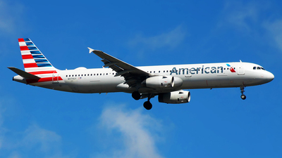 A picture of N979UY - Airbus A321231 - American Airlines - © JFrag