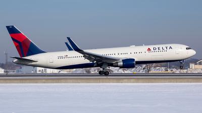 N198DN - Boeing 767-332(ER) - Delta Air Lines