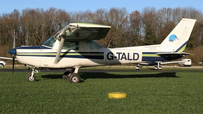 A picture of GTALD - Cessna F152 - [1718] - © Ian Johnson
