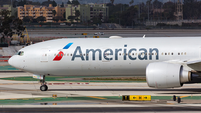 N720AN - Boeing 777-323ER - American Airlines