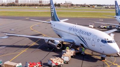 ZK-NAU - Boeing 737-219(Adv) - Air New Zealand