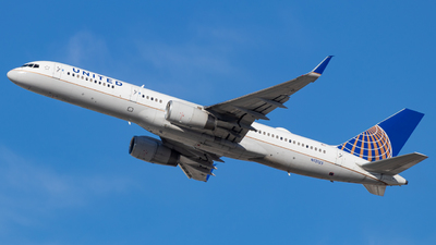 A picture of N12125 - Boeing 757224 - United Airlines - © Issac