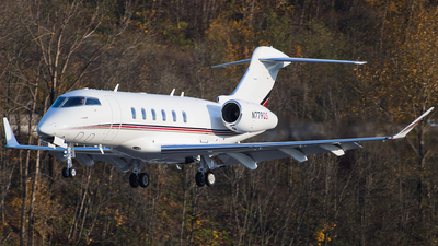 A picture of N779QS - Bombardier Challenger 350 - NetJets - © SpotterPowwwiii