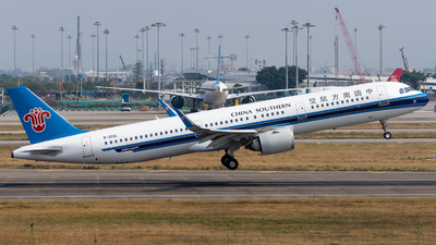 A picture of B303L - Airbus A321253N - China Southern Airlines - © miCHAel TAN