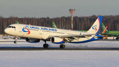 A picture of VPBSW - Airbus A321231 - Ural Airlines - © ShipSash