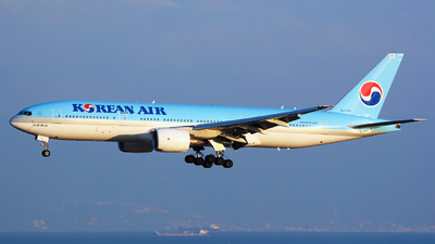 HL7715 - Boeing 777-2B5(ER) - Korean Air