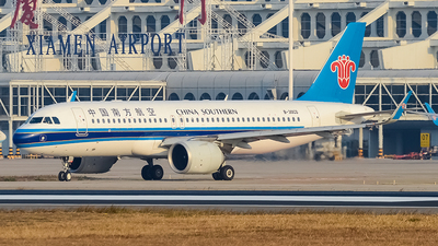 B-30CD - Airbus A320-251N - China Southern Airlines
