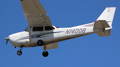 N14008 - Cessna 172S Skyhawk SP - California Airways Flight School